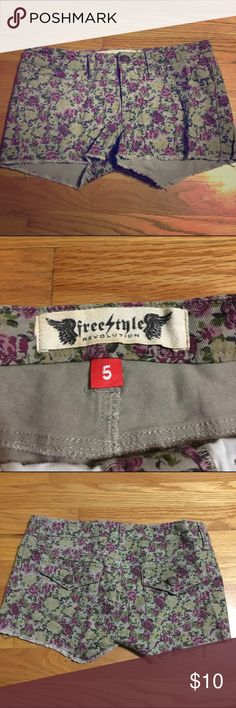 Floral print Jean shorts FreeStyle floral print Jean shorts. Only worn once. Freestyle Shorts Jean Shorts