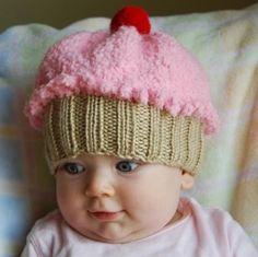 Knitted Baby Cupcake Hat, so cute! So Cute Baby, Baby Love, Cute Kids, Cute Babies, Lil Baby, Baby Knitting Patterns, Baby Patterns, Knitting Ideas, Baby Cupcake