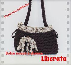 Nuestra alumna Liberata ha hecho un estupendo trabajo confeccionando este bolso en tonos marrones, ¡enhorabuena!