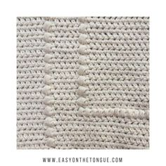 Crochet a pillow cover in a weekend to spruce up your lounge, couch or bed. Apart from the bobbles, the rest of the pattern is only hdc's. Crochet Home, Free Crochet, Diy Blanket Ladder, Crochet Pillow, Easy Crochet Patterns, Learn To Crochet, Fabric Crafts, Diy Home Decor, Pillow Covers