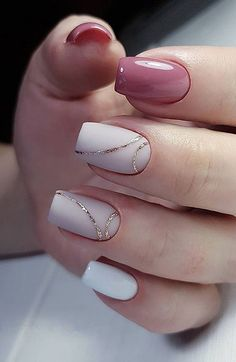 False nails have the advantage of offering a manicure worthy of the most advanced backstage and to hold longer than a simple nail polish. The problem is how to remove them without damaging your nails. Cute Summer Nail Designs, Cute Summer Nails, Nail Designs With Gold, Spring Nails, Nail Summer, Winter Nails, Stripe Nail Designs, Designs For Nails, Best Nail Designs