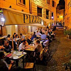 Alle Carrette pizzeria --- near our B&B