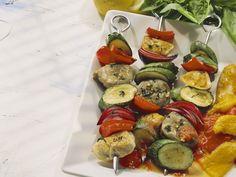 Schmackhaftes Grillgut und 100 Prozent Paleo. Fleisch-Gemüse-Spieße - smarter - Zeit: 20 Min. | eatsmarter.de