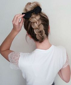 Ideas de Peinados Juveniles que te Encantarán - Sign Tutorial and Ideas Weave Hairstyles, Pretty Hairstyles, Straight Hairstyles, Scrunchy Hairstyles, Hairstyles Videos, Everyday Hairstyles, Medium Hair Styles, Curly Hair Styles, Brown Blonde Hair