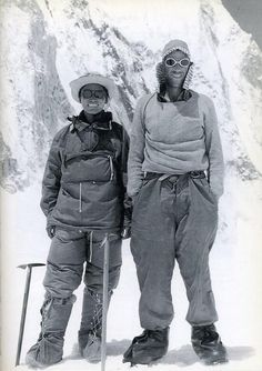 Tenzing Norgay (Nepal) and Edmund Hillary (New Zealand): Everest Nepal, Monte Everest, Photo Vintage, Mountain Climbing, Rock Climbing, Mountain Biking, Historical Pictures, Top Of The World, Geography
