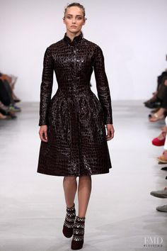 Photo - Azzedine Alaia - Autumn/Winter 2011 Couture - paris - Fashion Show | Brands | The FMD #lovefmd