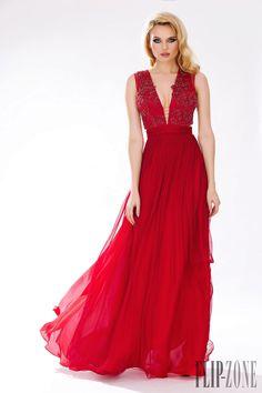 http://www.flip-zone.com/fashion/ready-to-wear/ready-to-wear-brands/cristallini-5590