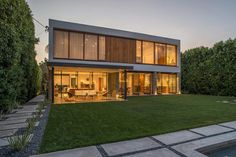 Back View - Diane Kruger & Joshua Jackson Break Up With Their Amazing L.A. Home - Photos