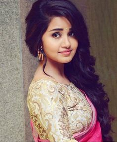 Look Your Absolute Best With These Beauty Tips Beautiful Girl Indian, Most Beautiful Indian Actress, Beautiful Girl Image, Gorgeous Girl, Beautiful Saree, Hair And Beauty, Beauty Full Girl, Beauty Women, Beautiful Bollywood Actress