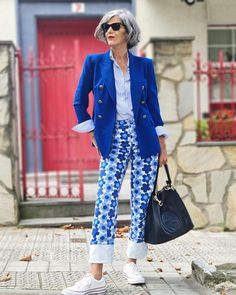 Blazer, printed pants and sneakers | Photo shared by Carmen | For more style inspiration visit 40plusstyle.com