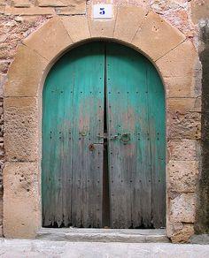Door in the village of Pollensa, Majorca,Spain.