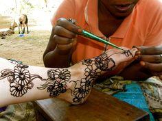 Henna time! Msambweni, Kenya, 2011. Photography bymollyinkenya.