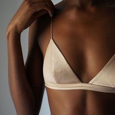 Less is More soutien gorge nude ele nuki Lingerie Plus Size, Belle Lingerie, Lingerie Silk, Sewing Lingerie, Retro Lingerie, Luxury Lingerie, The Bikini, Mode Outfits, Mode Inspiration