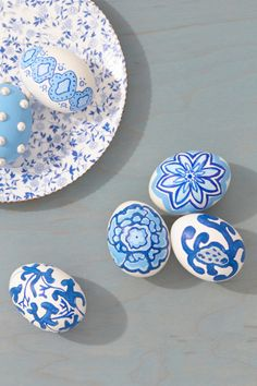 10 EGGspirational Decorating Ideas with Martha Stewart Crafts - egg decorating - easter decorations - easter crafts - egg crafts - painting ideas Basket Crafts, Acrylic Craft Paint, Martha Stewart Crafts, Egg Decorating, Seasonal Decor, Easter Eggs, Easter Bunny, Creations, Diy Crafts