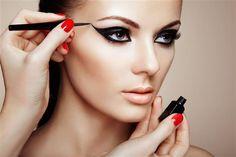 Kusursuz Göz Makyajı İçin En İyi 15 Eyeliner / 1