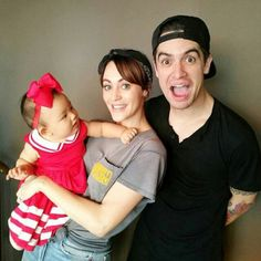 how did i not know brendon urie has a kid Brendon Urie Wedding, Brendon Urie Wife, Emo Love, Crush Love, Dallon Weekes, Boys Like, Panic! At The Disco, Emo Bands, Fall Out Boy