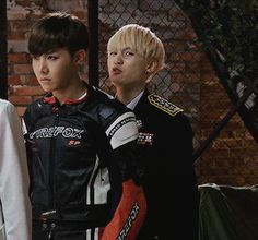 SUGA BEING LIKE:j-hope didn't notes let me do some thing silly