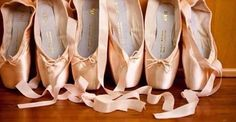 There are all sorts of shapes to suit different feet types. From beginner, intermediate to professional, we will try to fit you in the best style of pointe shoes to suit you. Whether you are looking for a shoe offering longevity or a softer shoe to help you get over en pointe, we have the varied styles for you to try. Please visit our stores and local re-sellers to be fitted.   Contact:  Bloch London lstore@blochworld.com Bloch Paris  Paris-store@bloch.eu  #Repost @datt_amy  #blochpointe…