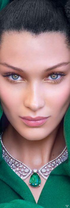 Bella Hadid for Vogue Arabia Bella Hadid for Vogue Arabia Gigi Hadid Eyes, Bella Gigi Hadid, Makeup Goals, Makeup Inspo, Makeup Inspiration, Gorgeous Eyes, Pretty Eyes, Beautiful, Bella Hadid Makeup