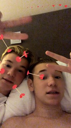 Mac and Tinus in mood night 🌙⏰💤💤❤️😘💞😍 Dream Boyfriend, Cute Twins, Cute Celebrities, Hot Boys, Mac, Handsome, Group, My Love, Night