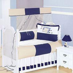 O Kit de Berço Ursinho Feliz- 07 Peças 100% Algodão, foi pensado cuidadosamente para proporcionar maior conforto ao seu bebê. Contrastando cores, bordados e babados, é o que faltava na decoração do quarto do pequeno. Além de lindo é de ótima qualidade!