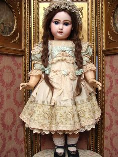 Wonderful costume for antique bisque doll Victorian Dolls, Antique Dolls, Vintage Dolls, Pierrot Costume, Doll Costume, Pretty Dolls, Beautiful Dolls, China Dolls, Glamour