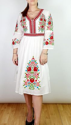 Rochie Traditionala Brodata Anabela 2. Broderie bogata multicolora |#ietraditionala #national #rochie #romania #traditional