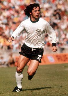 Gerd Muller of West Germany in Soccer World, World Football, Football Kits, Football Soccer, Soccer Stars, Sports Stars, Fifa, Uefa European Championship, Germany Football