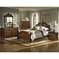 Nice Legacy Panel Bedroom Set (Brown Cherry)
