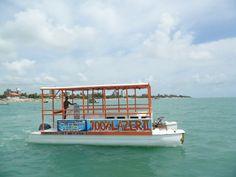 Embarcação 100% Lazer II faz os passeios para Areia Vermelha