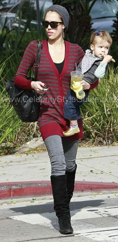 Seen on Celebrity Style Guide: Jessica Alba spotted leaving Urth Caffe with her daughter Honor Marie in West Hollywood.-- October 27, 2009