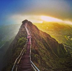 "Haiku Stairs: ""This incredibly sketchy, 4,000-step ladder is part of a gut-wrenching hike found in Hawaii."" Illegal, but looks worth the risk!"