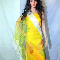 Light yellow shaded dupatta