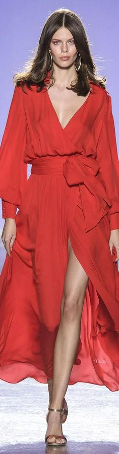 Luisa Spagnoli Spring-summer 2019 Ready-to-Wear Louisa Spagnoli, Spring Fashion, High Fashion, Beautiful Red Dresses, Orange Fashion, Red Fashion, Simply Red, Glamour, Lady In Red