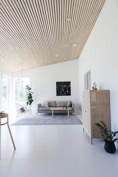 nice house interior dream homes Wood Slat Ceiling, Wooden Ceilings, Ceiling Wood Design, Slat Wall, Wood Slats, Home Living Room, Living Spaces, Interior Architecture, Interior Design