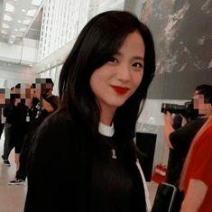 ᴀɴтι w ιᴅoʟ. Blackpink Jisoo, Yg Entertainment, South Korean Girls, Korean Girl Groups, My Girl, Cool Girl, Blackpink Members, Jennie Lisa, Fashion Capsule