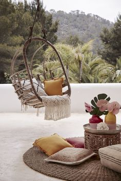 Home Interior, Interior And Exterior, Rattan Egg Chair, Ideas Para Organizar, Wooden Pergola, Love Home, Get Outside, Hanging Chair, Decorating Your Home