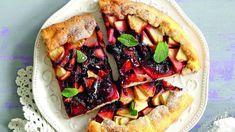 Пирог с яблоками ивареньем, видео рецепт