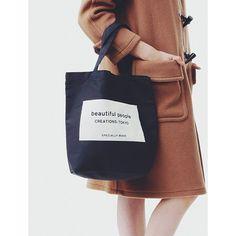 beautiful peopleの新しいブランドタグのデザインを、ワッペンのように縫い付けた限定のトートバッグ。  新色のindigoとarmy greenが加わり、明日の10/10(土)より直営全店で発売を開始いたします。  #beautifulpeople #ビューティフルピープル #totebag #tote #トート #limited #直営限定