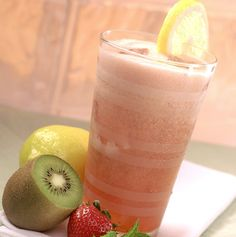Strawberry-Kiwi Mint Lemonade Sparkler - Nothing could be better and more refreshing on a hot day than this lemonade sparkler. Flavored Lemonade, Mint Lemonade, Frozen Lemonade, Strawberry Kiwi, Strawberry Recipes, Torani Syrup, Summer Drink Recipes, Refreshing Summer Drinks, Red Fruit