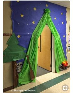 Teacher Appreciation Week-Camping Theme Camping classroom decor- love this tent door idea! Preschool Classroom, Classroom Themes, In Kindergarten, Classroom Camping Theme, Preschool Camping Theme, Forest Theme Classroom, Preschool Room Decor, Camping Theme Crafts, Preschool Jungle