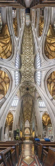 St. Mary's Redcliffe - Bristol, England / Richard Silver