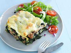 Bolognese, Greek Recipes, Italian Recipes, Feta, Skinny Lasagna, Spicy Tuna Roll, Lasagna Rolls, Kitchen Stories, Comfort Food