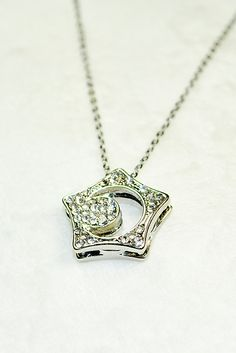 """kissing star necklace from """"boys over flowers"""". want want want"""