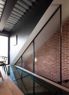 plancher verre on pinterest mezzanine glass houses and landing. Black Bedroom Furniture Sets. Home Design Ideas