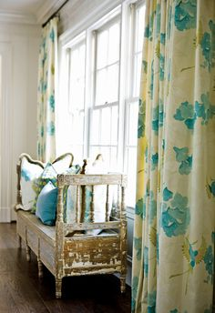 Love the curtain panels and pillows on this shabby bench!