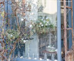 Zita Elze Flower shop Kew Gardens, window display Easter Flowers Photo: Julian Winslow LP-16_wm