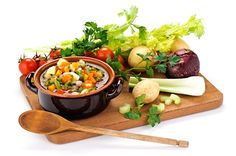 Zeleninová polévka vhodná ke konzumaci při celkovém detoxikaci organismu.
