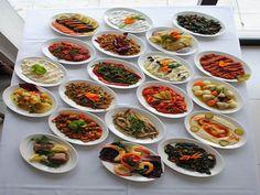 Kahvaltılık mezeler, sabah kahvaltılarında kahvaltı sofralarında vazgeçilmez bir lezzet olan değişik tatlar olarak bilinmektedir. Kahvaltılık mezeler değişik karışımlarla elde edilen ve içeriğinde istenilen yeşil otlar, sebzeler, baharatlar kullanılan yiyecekl