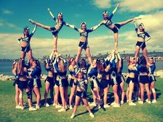 Cheer Pyramid #lovetocheer